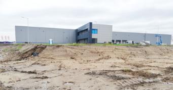 inwestycja Turenwerke tuż przed ukończeniem - nowoczesny zakład produkcji drzwi, dla firmy Turenwerke, projekt i budowa CoBouw Polska, Stanowice, woj. śląskie