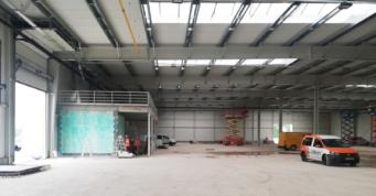widok na antrsolę w hali w budowie - inwestycja o powierzchni 6.000 m2, dla firmy Turenwerke, Stanowice, woj. śląskie