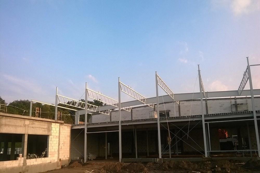 przekrój przez strop kanałowy - hala produkcyjno-magazynowa z budynkiem biurowym, dla Jota Group, Ostróda, warmińsko-mazurskie