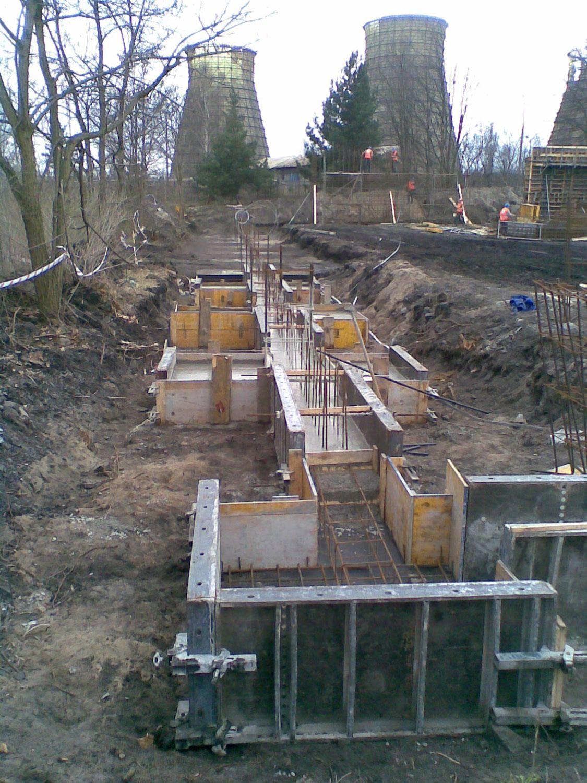 betonowanie stóp fundamentowych - hala przemysłowa, dla Van Gansewinkel, Ruda Śląska