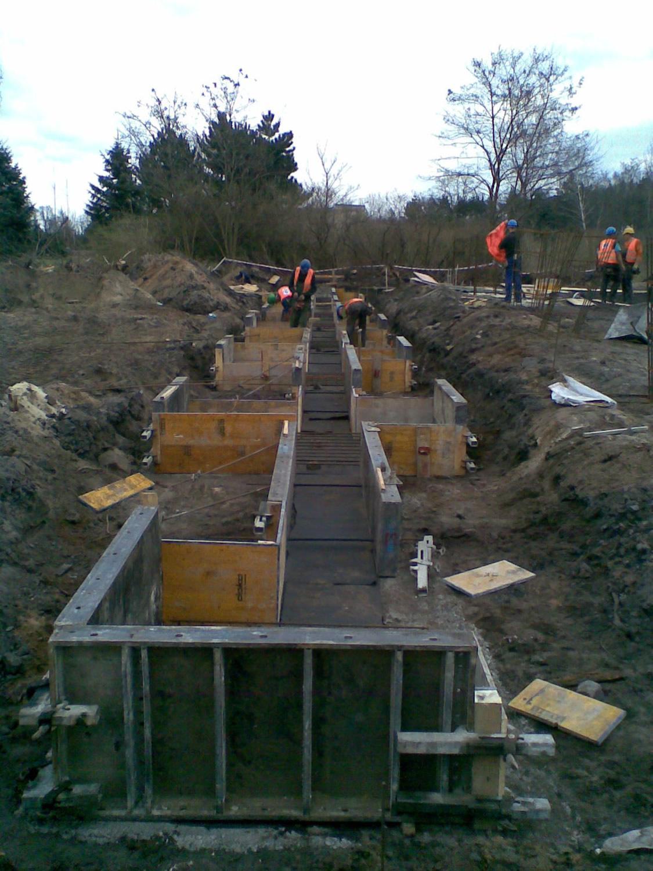 betonowanie stóp fundamentowych 1 - hala przemysłowa, dla Van Gansewinkel, Ruda Śląska