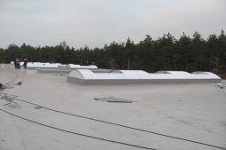 świetliki dachowe - hala produkcyjna z budynkiem biurowym, dla Meblomaster, Węgrów, woj. mazowieckie