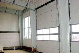 brama - hala warsztatowa, dla Pomoc Drogowa i Parking, Ksaweró, woj. łódzkie
