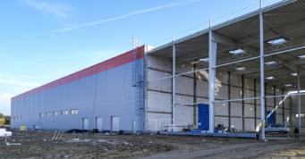 dalszy etap inwestycji - hala produkcyjno-magazynowa, o powierzchni 12.000 m2, dla Fagum-Stomil, w Łukowie, woj. lubelskie