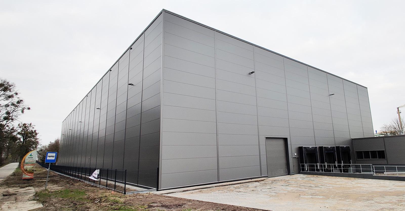 elewacja hali z płyt warstwowych - inwestcyja dla firmy Grupa INco SA, Susz, woj. warmińsko-mazurskie