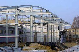 widok konstrukcji stalowej - hala produkcyjno-magazynowa, dla Eurostep, Ksawerów, woj. łódzkie