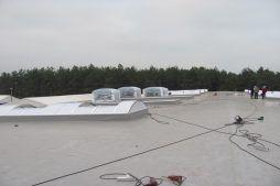 świetliki dachowe 1 - hala produkcyjna z budynkiem biurowym, dla Meblomaster, Węgrów, woj. mazowieckie