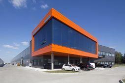 widok ogólny 1 - hala produkcyjno-magazynowa z budynkiem biurowym, dla Lidermax, Łukowo, woj. mazowieckie