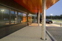 wejście główne do budynku 1 - hala produkcyjno-magazynowa z budynkiem biurowym, dla Lidermax, Łukowo, woj. mazowieckie