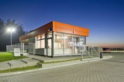 portiernia - hala produkcyjno-magazynowa z budynkiem biurowym, dla Lidermax, Łukowo, woj. mazowieckie