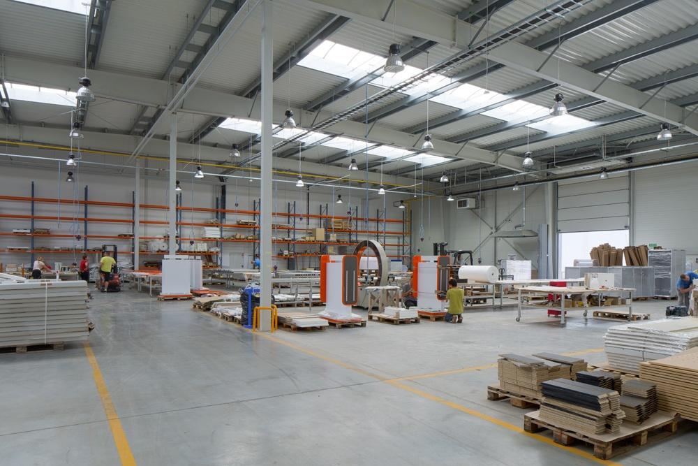 wnętrze hali 3 - hala produkcyjno-magazynowa z budynkiem biurowym, dla Lidermax, Łukowo, woj. mazowieckie