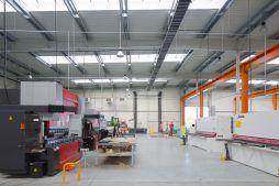 wnętrze hali 7 - hala produkcyjno-magazynowa z budynkiem biurowym, dla Lidermax, Łukowo, woj. mazowieckie