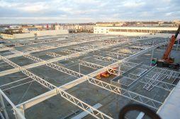 montaż elementów konstukcji stalowej - hala magazynowa z budynkiem biurowym, dla Refleks, Białystok