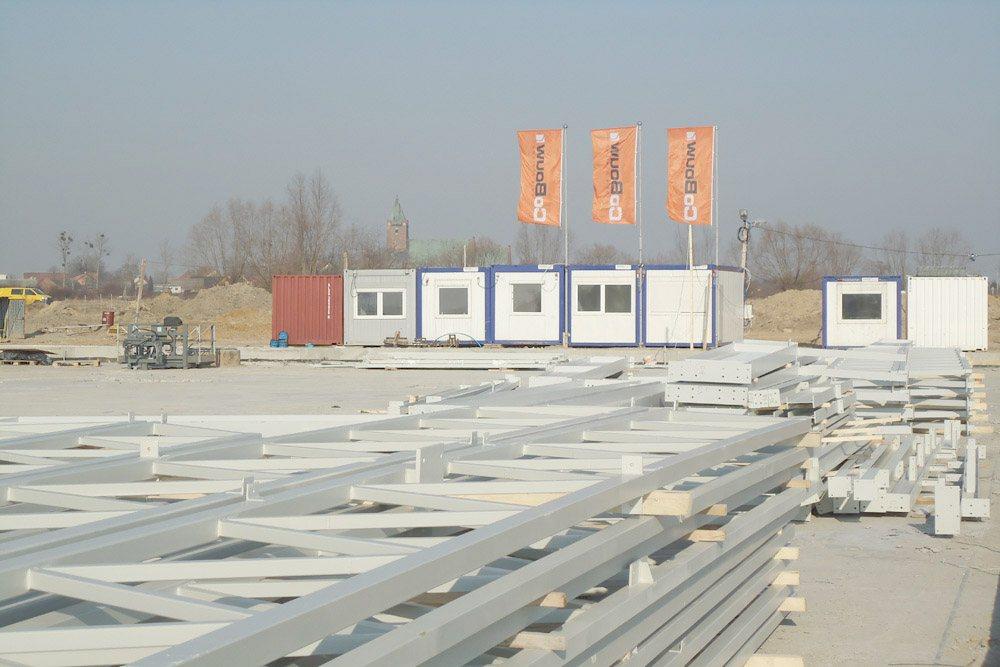 elementy konstrukcji stalowej - hala produkcyjna z budynkiem biurowym, dla Uniservice, Skarbimierz