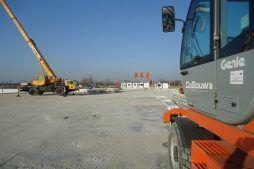 maszyny na placu budowy - hala produkcyjna z budynkiem biurowym, dla Uniservice, Skarbimierz