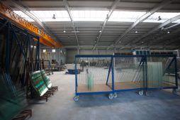 wnętrze hali - hala produkcyjno-magazynowa z częścią biurową, dla Glass Produkt, Pyskowice, woj. śląskie