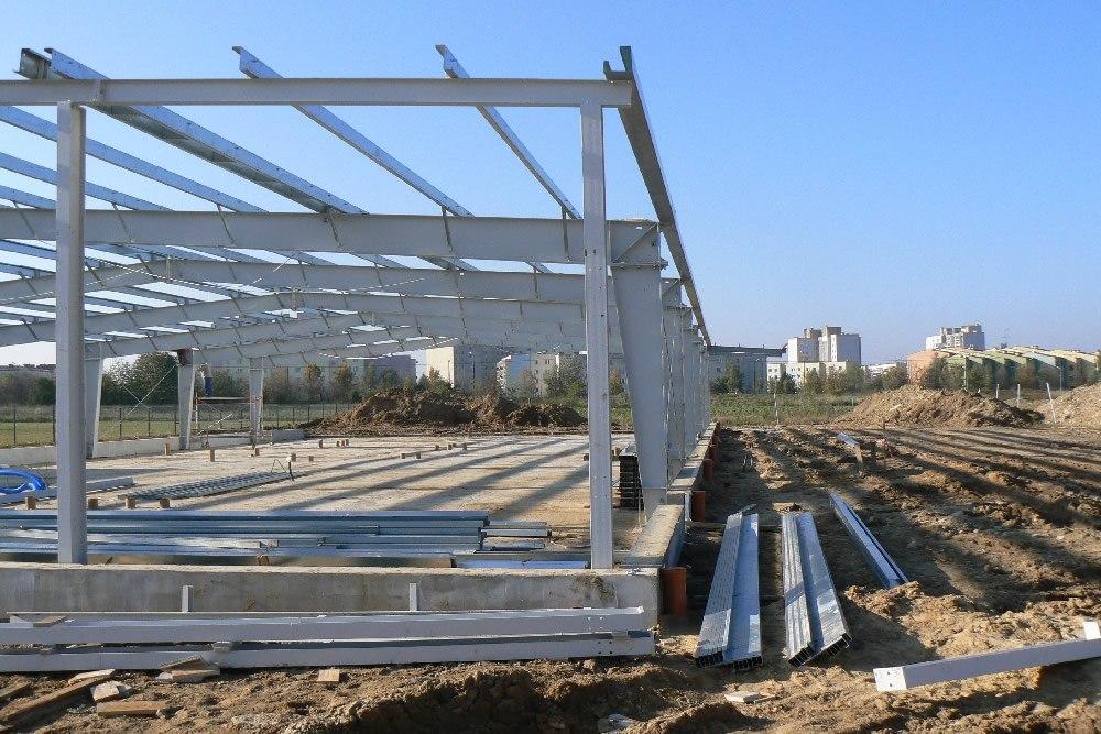 fagment konstrukcji stalowej - hala produkcyjna z częścią biurową, dla BioMaxima, Lublin, woj. lubelskie