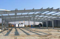 widok konstrukcji stalowej - hala produkcyjna z częścią biurową, dla BioMaxima, Lublin, woj. lubelskie