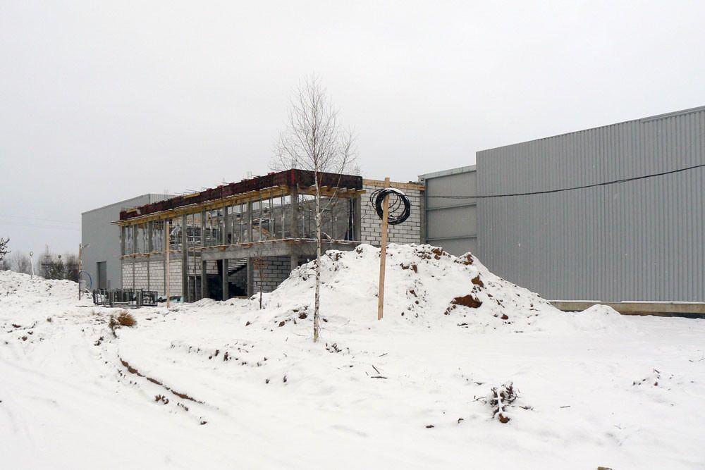 widok ogólny 1 - hala produkcyjna z budynkiem biurowym, dla Blyweert Aluminium, Czosnów, woj. mazowieckie