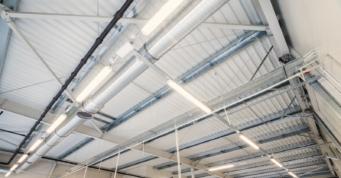 instalacja oświetleniowa w hali - hala produkcyjno-magazynowa z biurowcem, DreamPen, inwestycja w woj. lubuskim