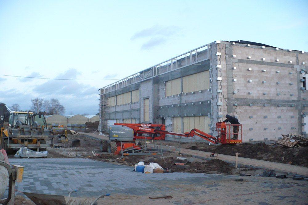 konstrukcja pod montaż paneli elewacyjnych - hala produkcyjna z budynkiem biurowym, dla Irmark, Warszawa