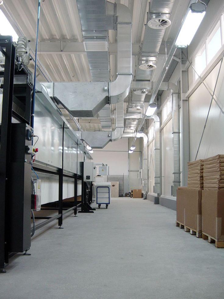 kanały technologiczne - hala produkcyjna, dla Lubiana Zakłady porcelany Stołowej, Lubiana, woj. pomorskie