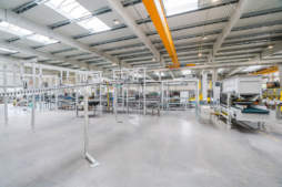 maszyny produkcyjne w hali - zakład produkcyjno-magazynowy z częścią socjalno-biurową, dla Viscon Real Estate Poland, branża maszynowa dla rolnictwa i przemysłu spożywczego, woj. pomorskie