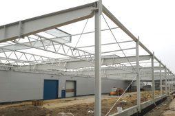 konstrukcja stalowa - hala produkcyjna, dla firmy Meblomaster, Węgrów, woj. mazowieckie