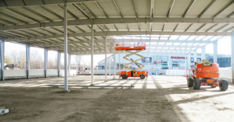 montaż obudowy dachu-hala handlowa, hurtownia Boboland, Szczecin, woj. zachodniopomorskie