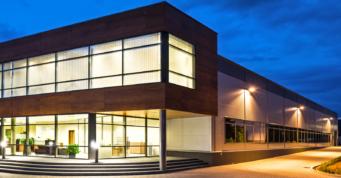 oświetlenie inwestycji - hala produkcyjno-magazynowa z budynkiem biurowym, firma Dreampen, Zielona Góra, inwestycja w woj. lubuskim