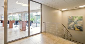 piętro w budynku biurowym - hala produkcyjno-magazynowa z budynkiem biurowym, DreamPen, inwestycja w Zielonej Górze, woj. lubuskie