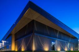 podświetlenie budynku biurowego - inwestcja dla Viscon Real Estate Poland, Płaszewko, woj. pomorskie