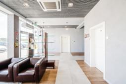 pomieszczenie w części biurowej - hala produkcyjno-magazynowa z częścią socjalno-biurową, Łubna, woj.mazowieckie, firma Plasteam