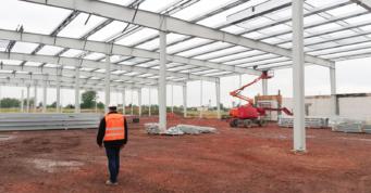 prace montażowe - budowa w generalnym wykonawstwie, przez CoBouw Polska, dla firmy Turenwerke, ze Śląska, ze Stanowic