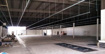 prace wykończeniowe w hali - hala handlowa Boboland, woj. zachodniopomorskie