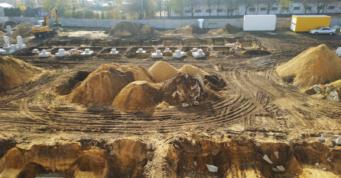 przygotowanie-podsypki-piaskowej - piąta budowa hali, dla Meblomaster, w Węgrowie, w woj. mazowieckim