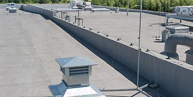 Obudowa dachu hali stalowej