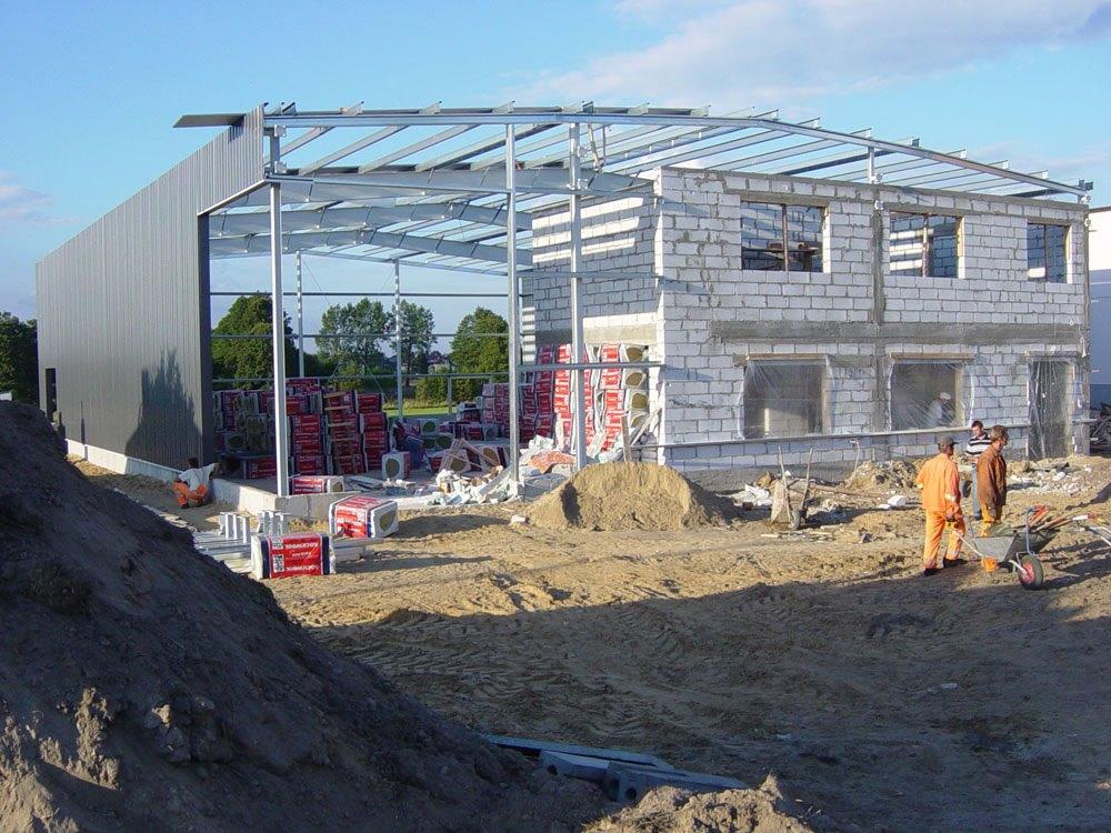 wznoszenie budynku w konstrukcji stalowej - hala magazynowa z częścią biurową, dla Texpol, Rzgów, woj. łódzkie