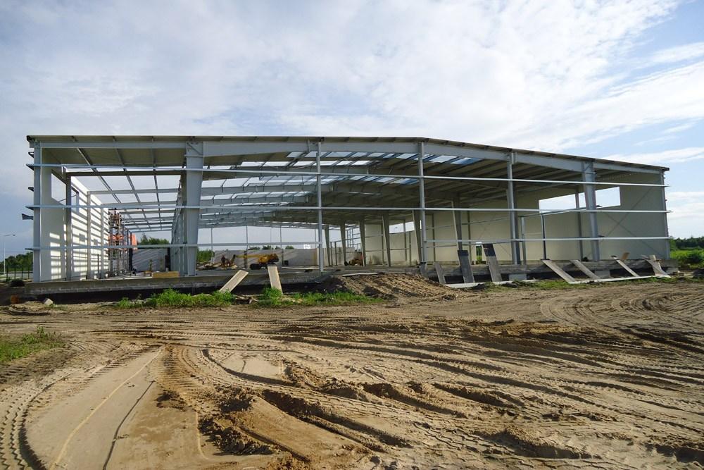 widok ogólny konstrukcji stalowej - hala produkcyjna z budynkiem biurowym, dla Vertex, Konst. Łódzki, woj. łódzkie