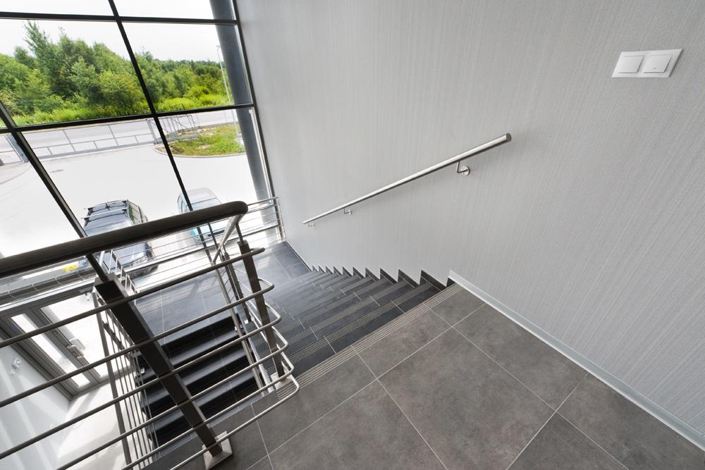 klatka schodowa - hala produkcyjna z budynkiem biurowym, dla Vertex, Konst. Łódzki, woj. łódzkie