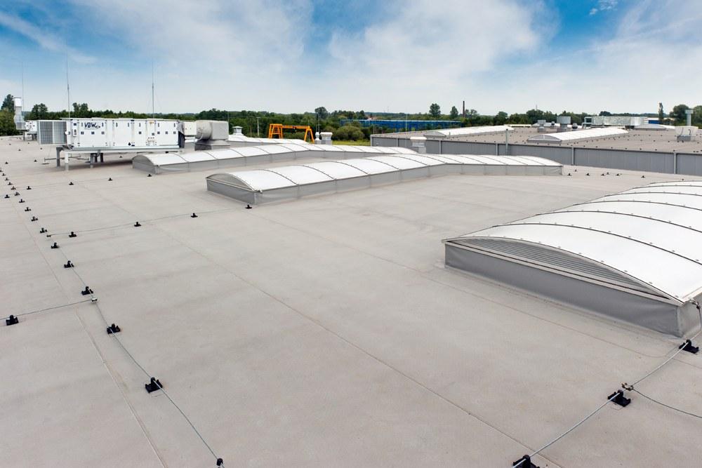 świetliki dachowe - hala produkcyjna z budynkiem biurowym, dla Vertex, Konst. Łódzki, woj. łódzkie