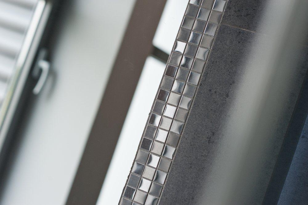 wykończenie łazienkowe - hala produkcyjna z budynkiem biurowym, dla Vertex, Konst. Łódzki, woj. łódzkie