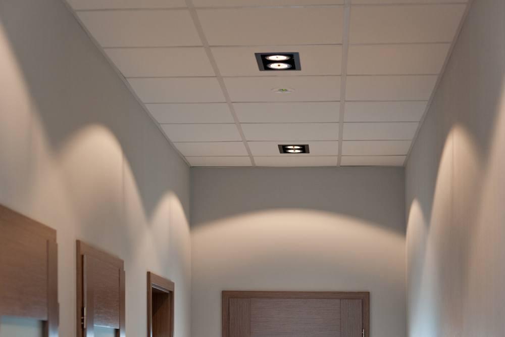oświetlenie korytarza - hala produkcyjna z budynkiem biurowym, dla Vertex, Konst. Łódzki, woj. łódzkie