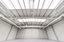 wnętrze hali 5 - hala produkcyjna z budynkiem biurowym, dla Vertex, Konst. Łódzki, woj. łódzkie