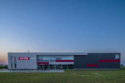 hala produkcyjna - inwestycja dla producenta okien, firma Vito Polska, woj. lubelskie