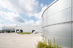 zbiornik wody do celów pożarowych - hala produkcyjno-magazynowa z częścią socjalno-biurową, dla Plasteam, Łubna, woj. mazowieckie