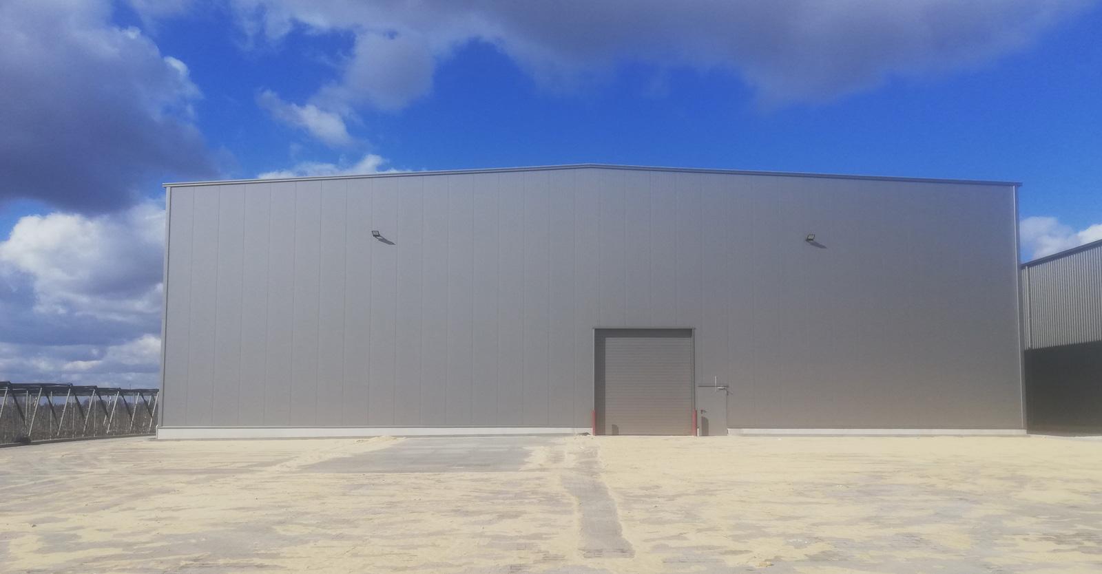 hala z zamontowaną obudową - piąta sortownia owoców, dla Witamina, budowa w Białej Rządowej, w woj. łódzkim, branża owocowa