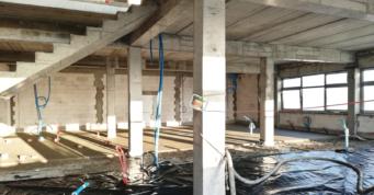 wykonanie wylewki w budynku socjalno-biurowym - inwestycja pod klucz, w woj. łódzkim, dla GG Tech, projekt i budowa CoBouw Polska