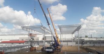 wznoszenie elementów konstrukcji - hala logistyczna, dla Scania Production Słupsk SA, Słupsk, woj. pomorskie